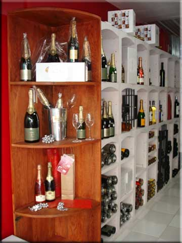 Select Wine Cellar, Orange Grove Shopping Center, Cole Bay, St Maarten